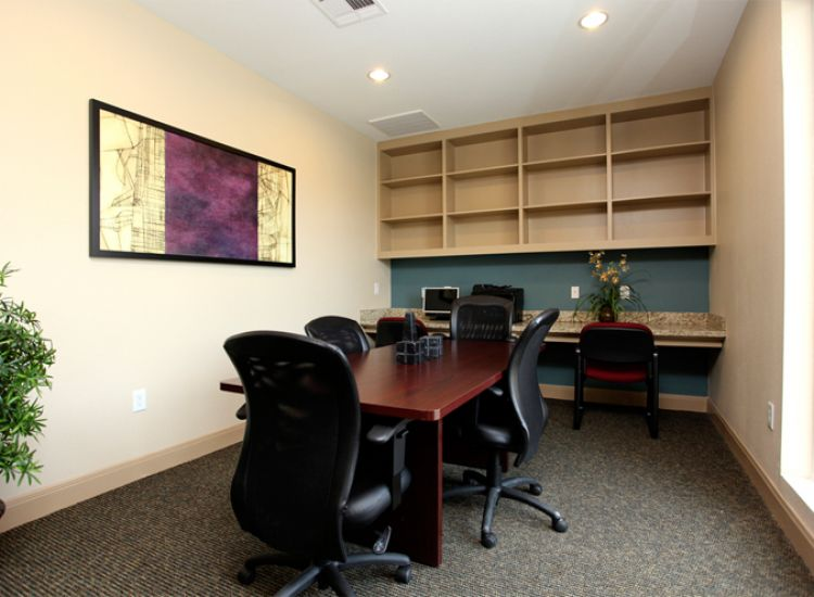 Business Center/Meeting Room